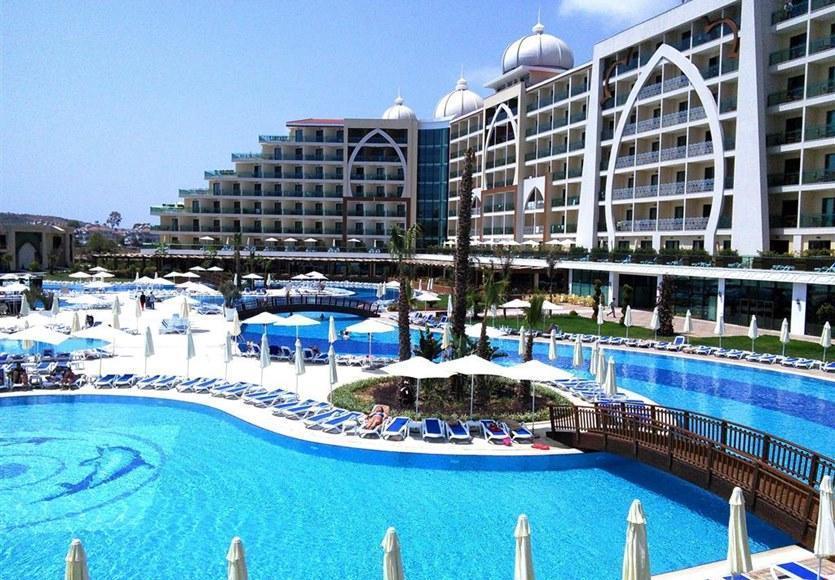 Alan Xafira Deluxe Resort,